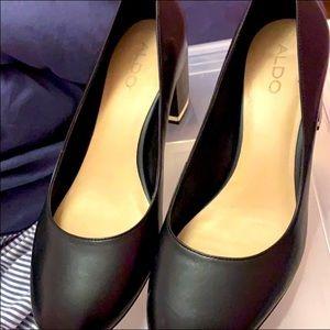 Women's black aldo leather heel shoes Sz 9.5